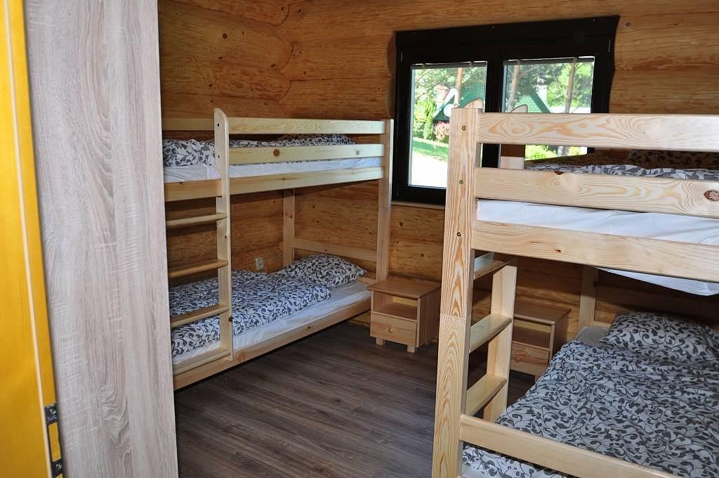 Ložnice s patrovými postelemi